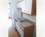 Must See 2 Bedroom. *High Cielings*Hardwood Floors*Beaitiful Kitchen*
