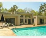 4 BEDROOM CONTEPORAY HOME WITH POOL -  WAINSCOTT