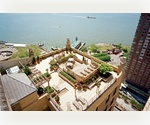 PERFECT Corner Unit - Spectacular WATER VIEWS...CONV 3Bd Luxury in FiDi !!!